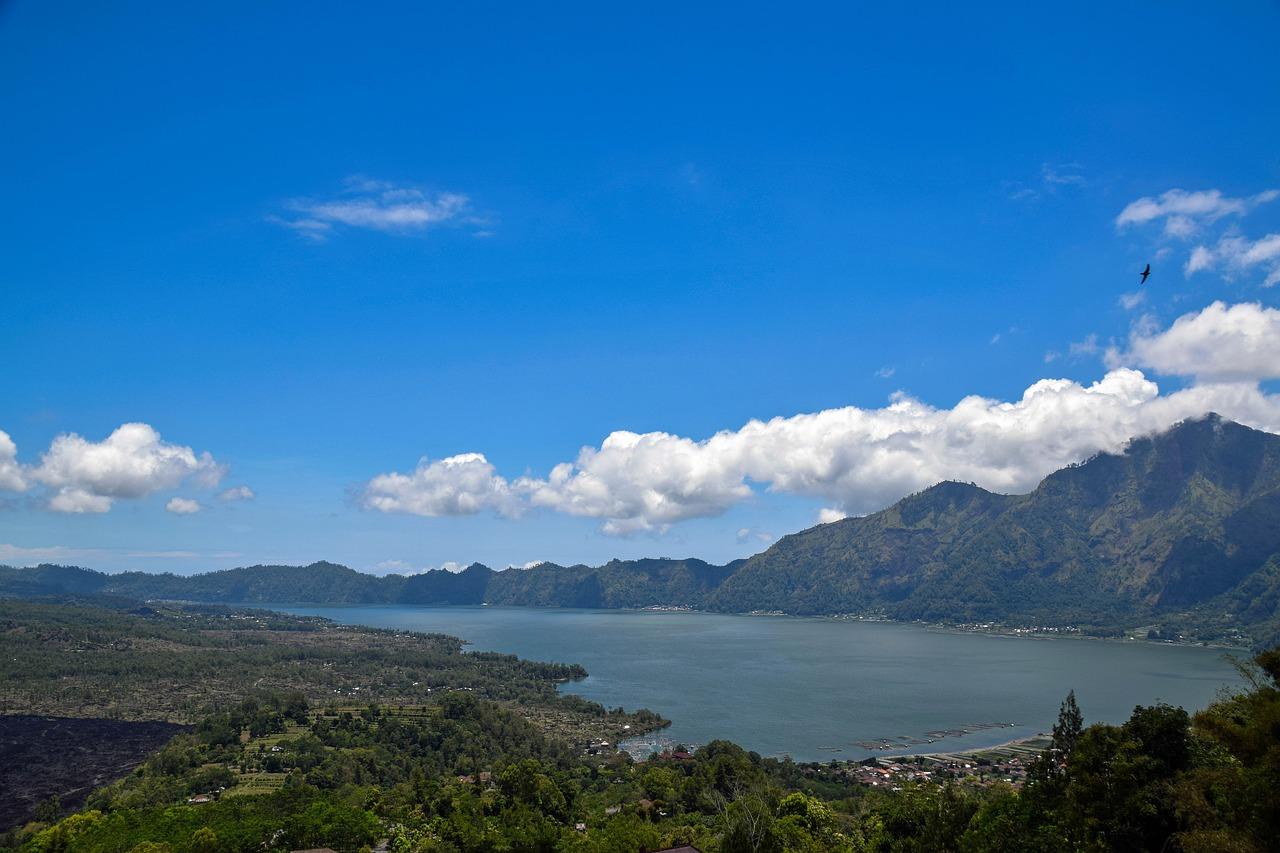 lagos mais bonitos do mundo