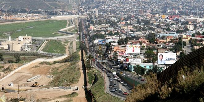 Fronteira entre San Diego e Tijuana.