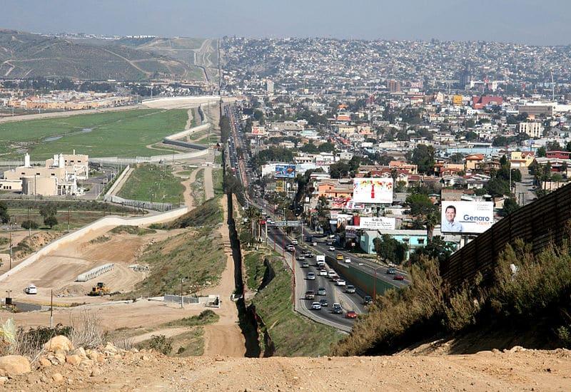 Fronteira entre San Diego e Tijuana