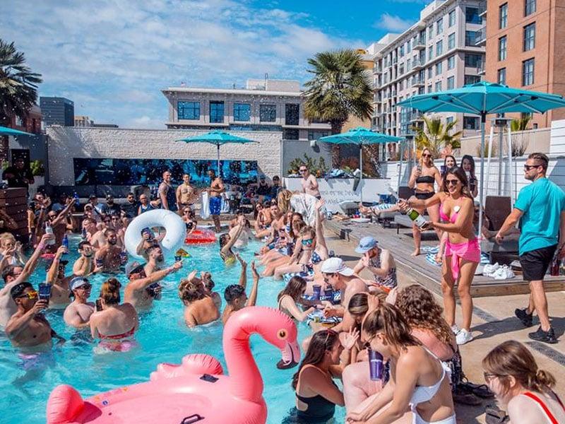 Melhores festas na piscina em San Diego