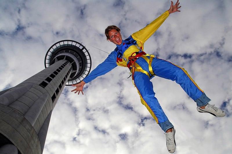 Bungy jump na torre de Auckland