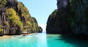 Passeio de barco em El Nido / Filipinas.