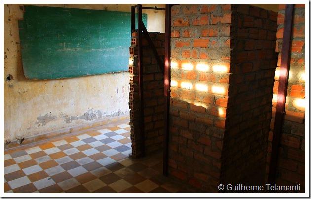As prisões do regime Khmer Vermelho.