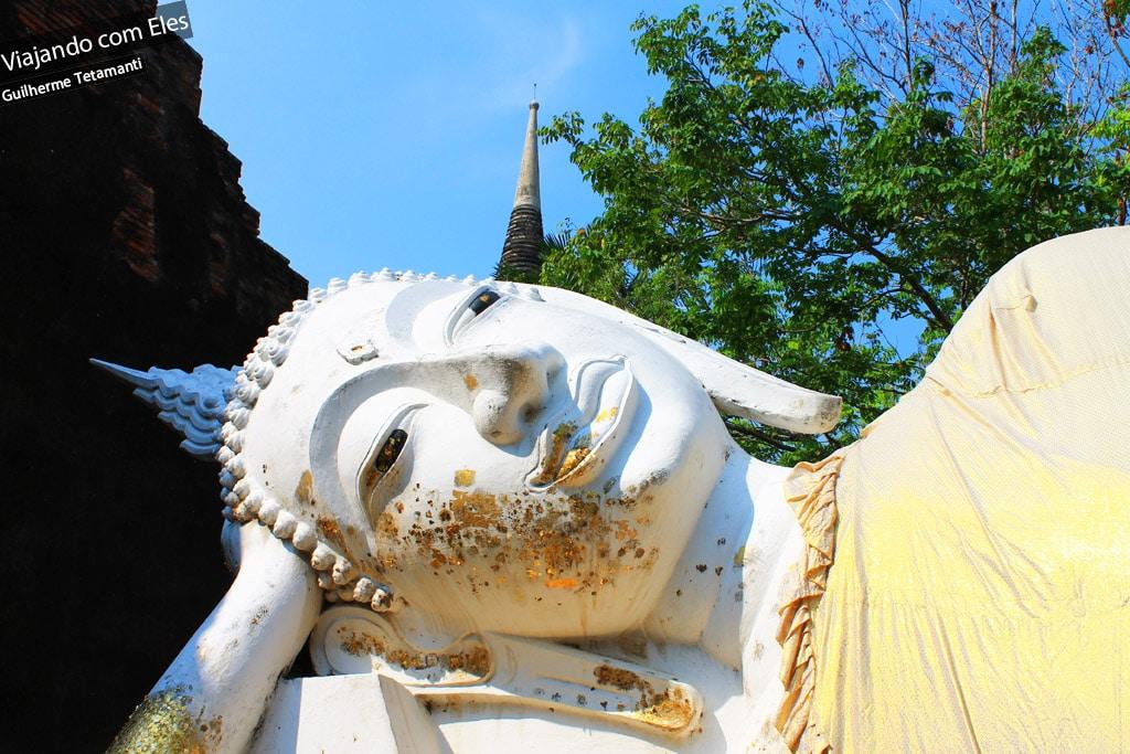 Oferendas em ouro no Budismo