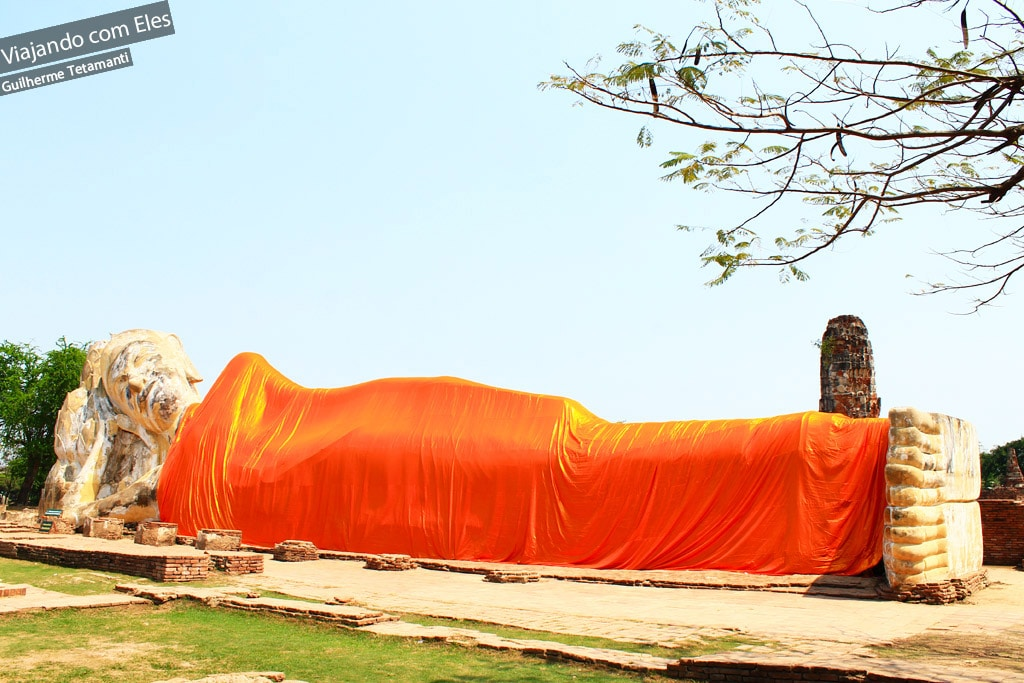 A estátua do Buda deitado