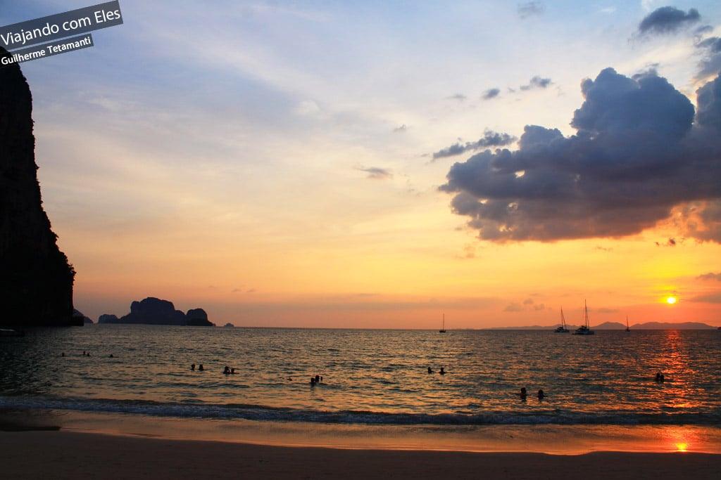 Pôr-so-sol em Railay Beach