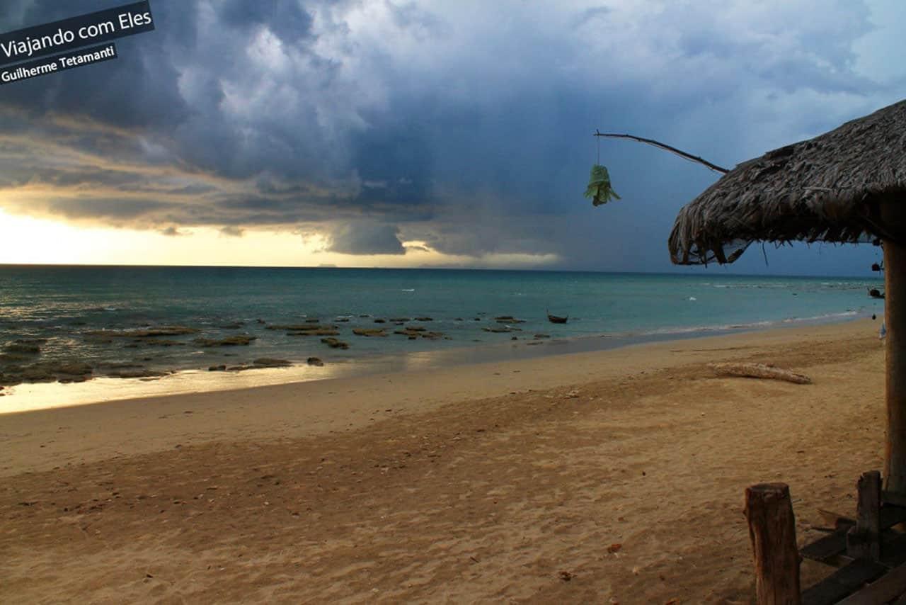 Chuva chegando em Koh Lanta.