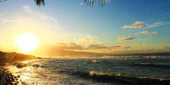 Praia de Hookipa, em Maui.