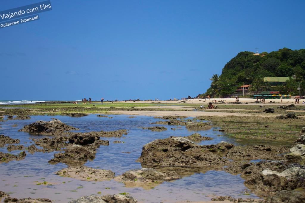 Piscinas naturais na Praia do Centro.