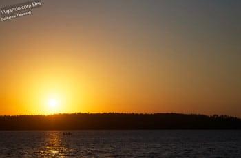 Pôr-do-sol na Lagoa Guaraíras.