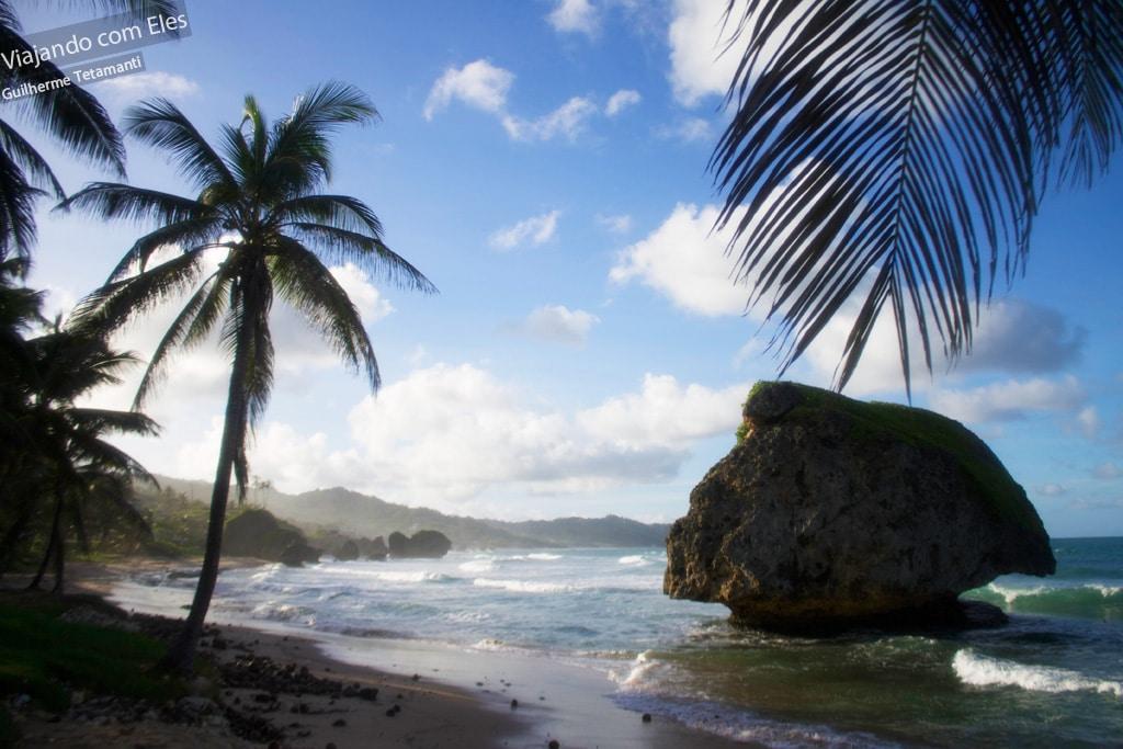 Praia de Bathsheba em Barbados