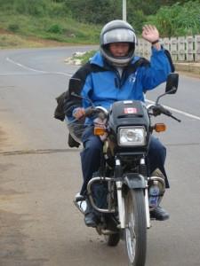 Viajar de moto no Vietnã.