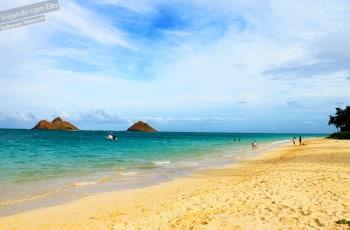 Praia de Lanikai, na costa leste de Oahu.