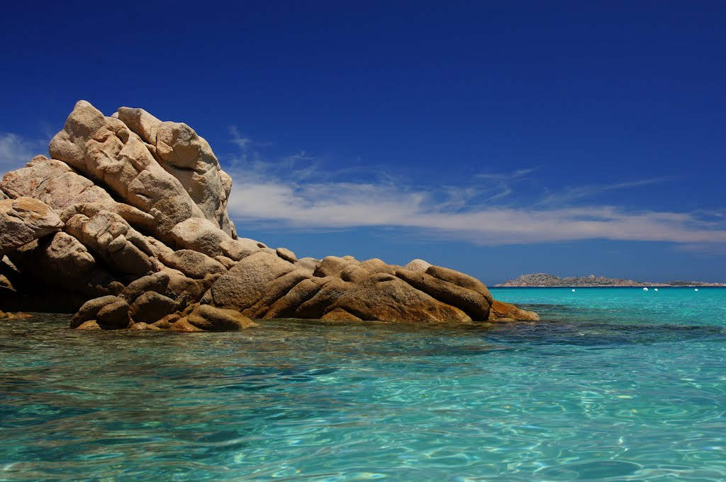 Costa Esmeralda / Praias mais famosas da Europa.