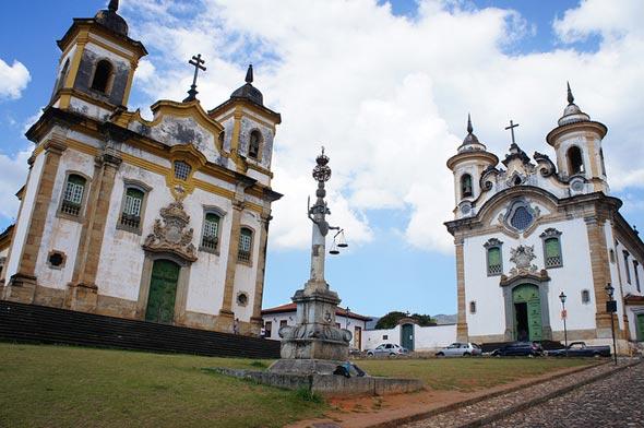Igrejas gêmeas de Mariana.