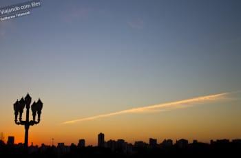 Pôr-do-sol visto do Jardim Botânico de Curitiba.