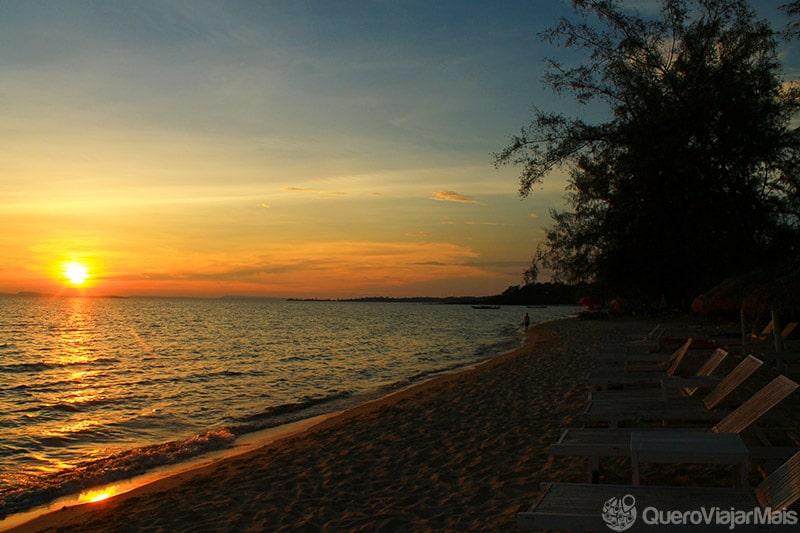 Pôr do sol no Camboja