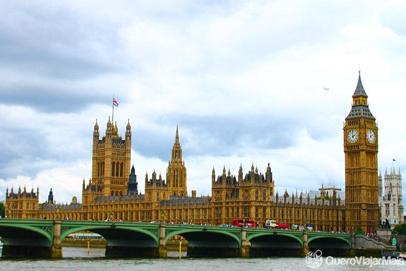 O Palácio de Westminster, uma das atrações de Londres.