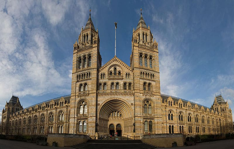 Prédio do Museu de História Natural de Londres.