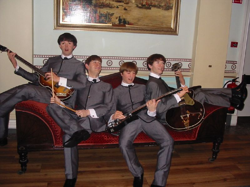 Os Beatles no Museu de Cera Madame Tussauds.