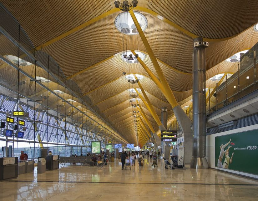 sair do aeroporto de Madrid