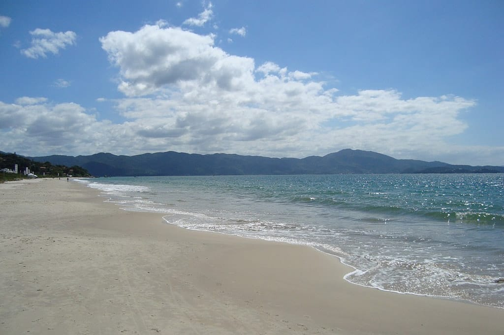 praia de bombinhas fotos