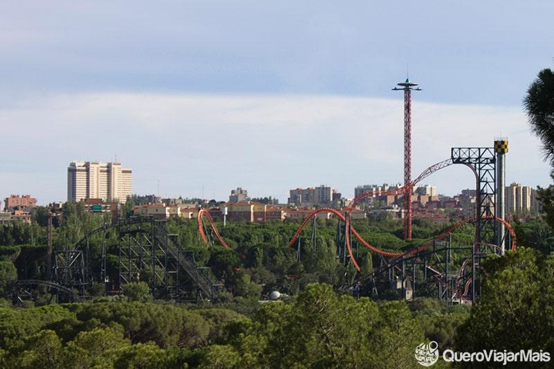 Parque de diversão em Madrid.