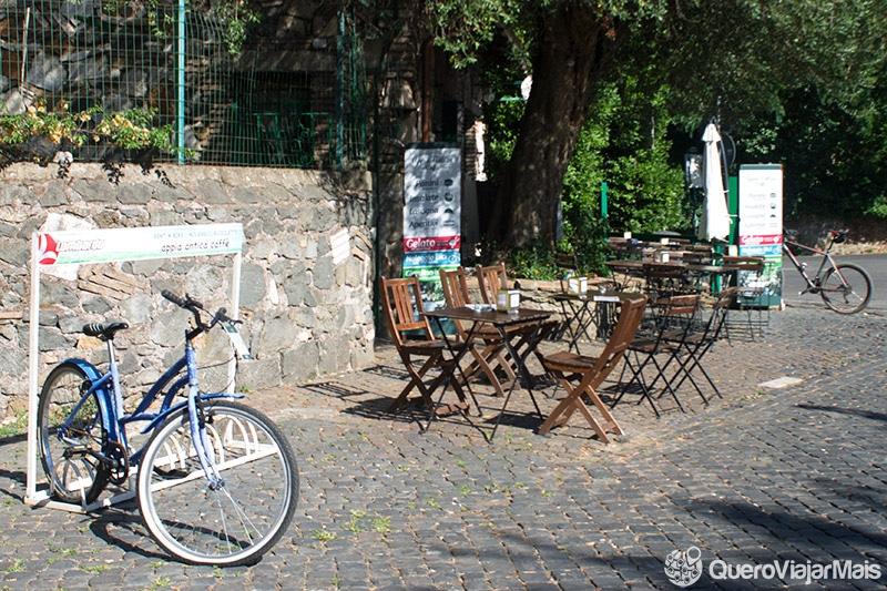 bicicleta em Roma a noite