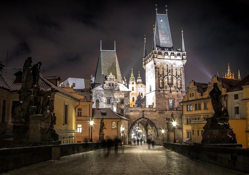 Ônibus turístico em Praga