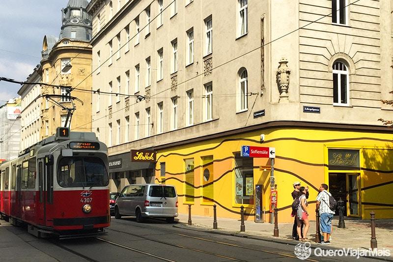 Bonde, metrô e ônibus de Viena