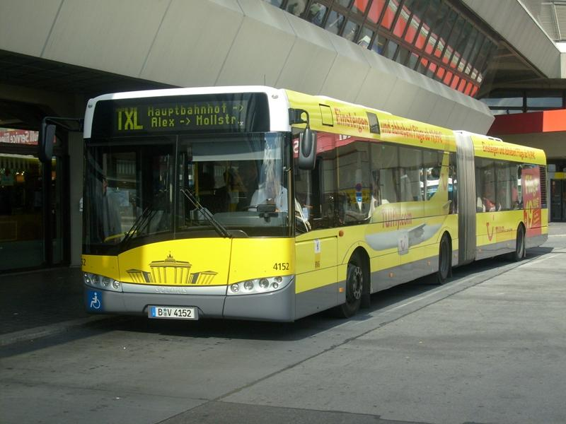 Ônibus saindo do aeroporto de Berlim