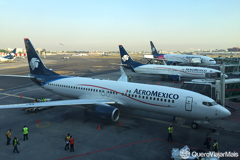 Aviões no Aeroporto da Cidade do México.