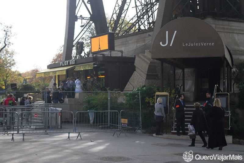 Como reservar os restaurantes da Torre Eiffel?