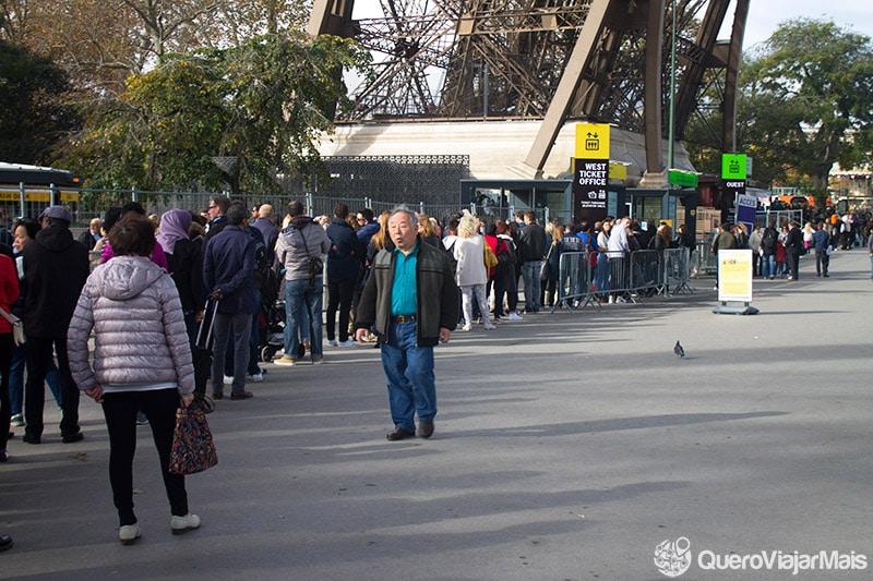 Como evitar filas na Torre Eiffel?