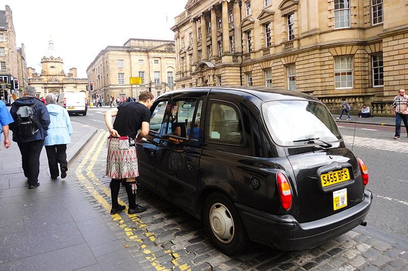 Taxi em Edimburgo