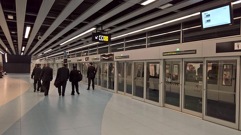 Como ir de metrô até o aeroporto de Barcelona
