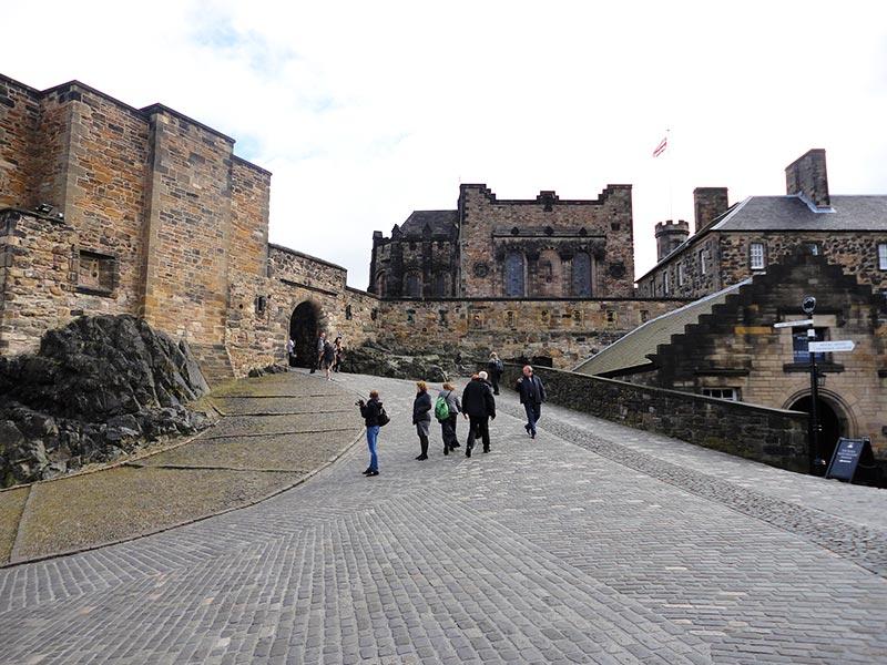 Dentro do Castelo de Edimburgo