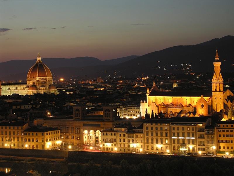 Passeio noturno em Florença