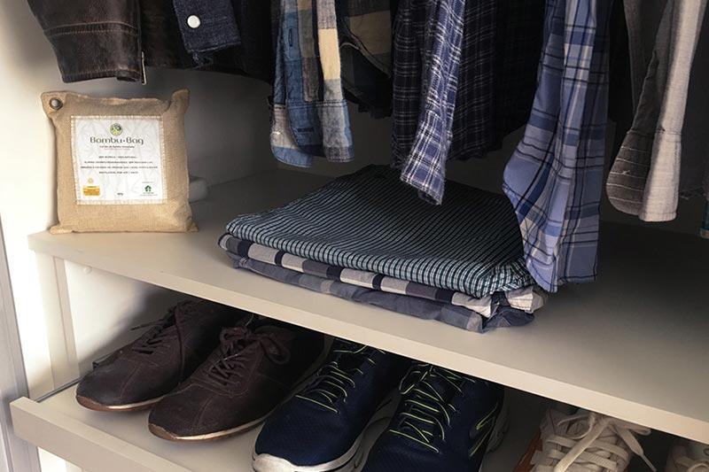Como eliminar umidade do guarda roupa