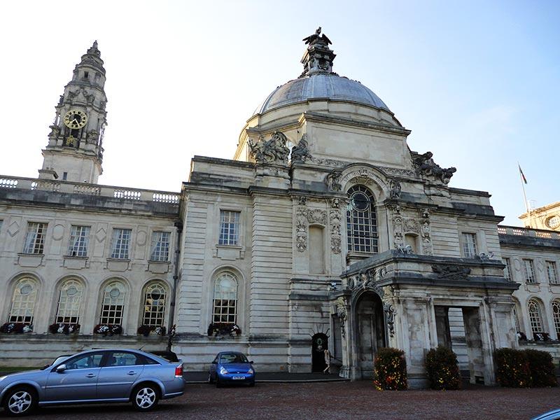 Pontos turísticos de Cardiff: Cardiff City Hall