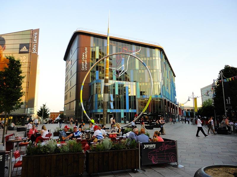 Bares no centro de Cardiff
