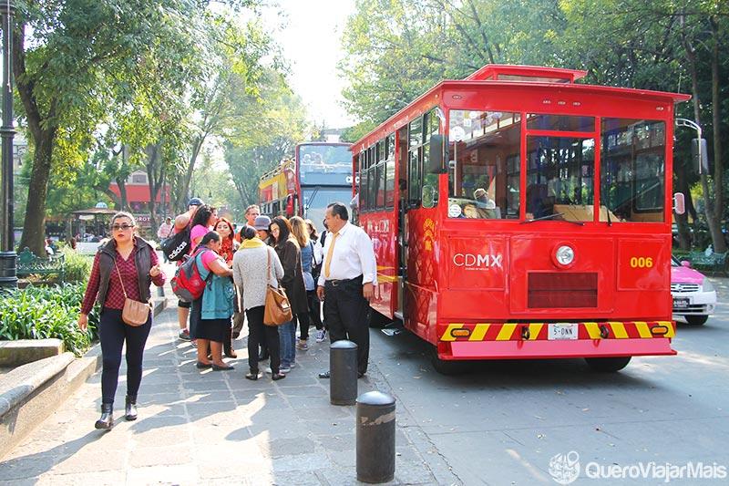 Ônibus turístico na Cidade do México
