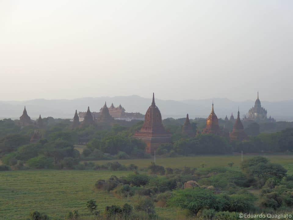Templos em Bagan, em Myanmar