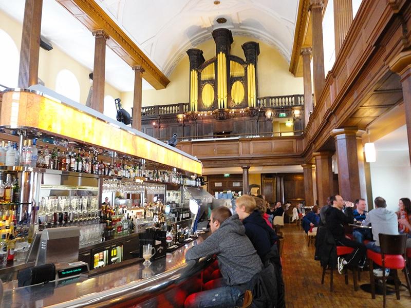 Pub diferente em Dublin
