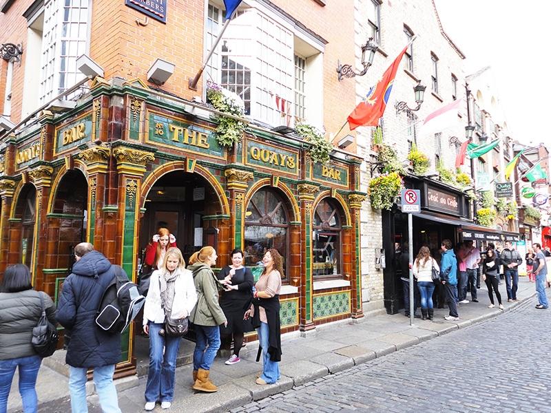 Melhores pubs da Irlanda: pub crawl em Dublin