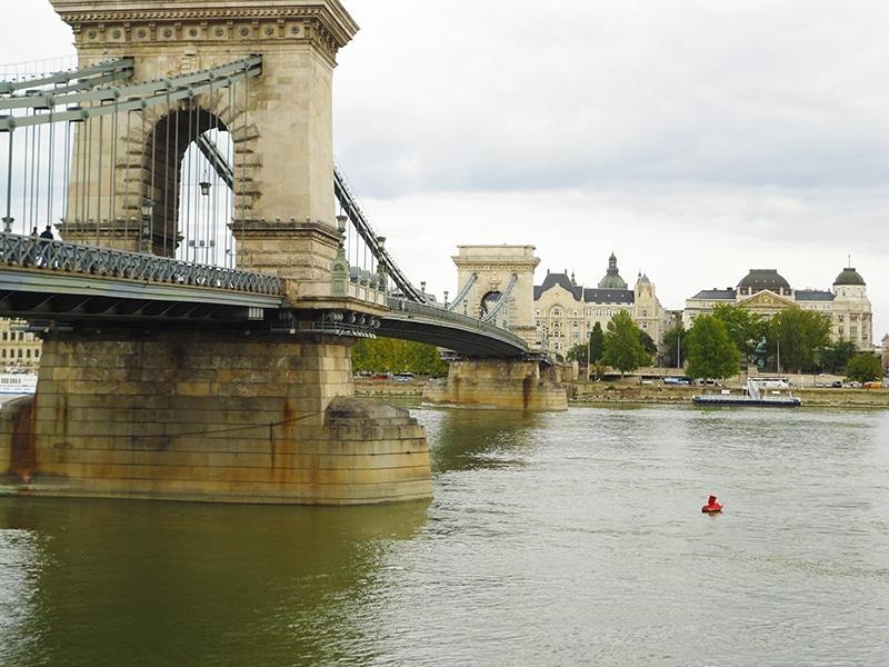 pontos turísticos de Budapeste ponte das correntes
