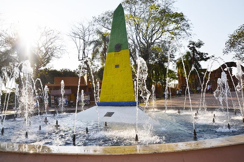 Vale a pena visitar a tríplice fronteira durante o city tour em Foz do Iguaçu
