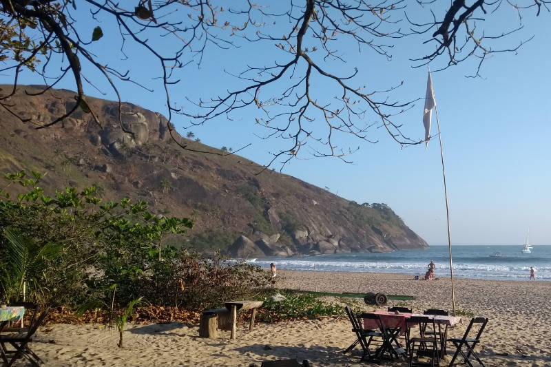 Restaurantes na praia do Bonete