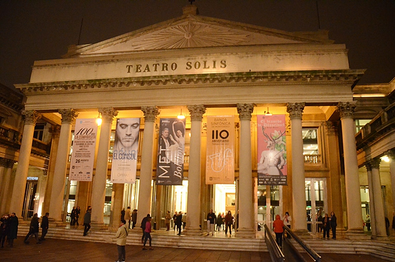 Como visitar o teatro Solis em Montevidéu