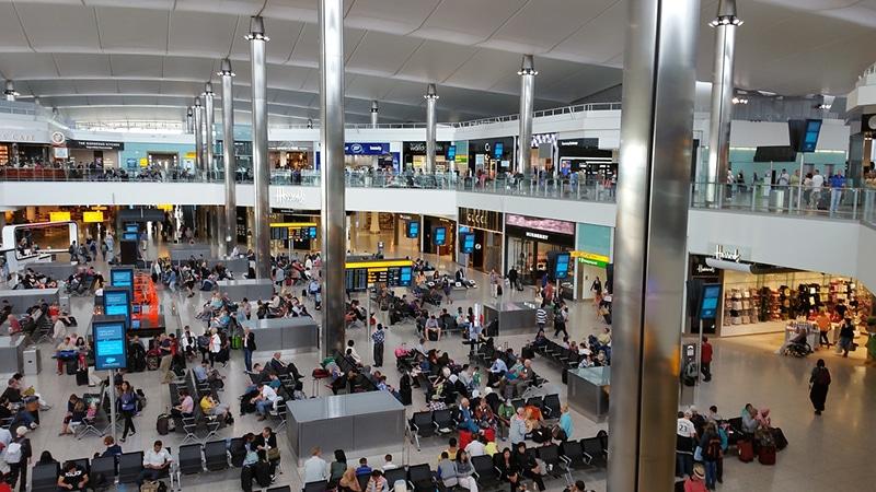 Como é a imigração dos aeroportos